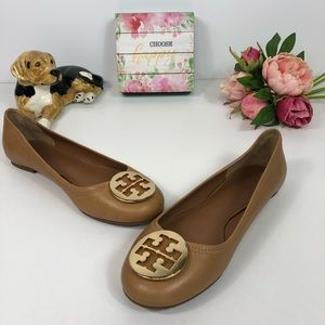 Shoes - Tory Burch Chelsea leather ballet flats